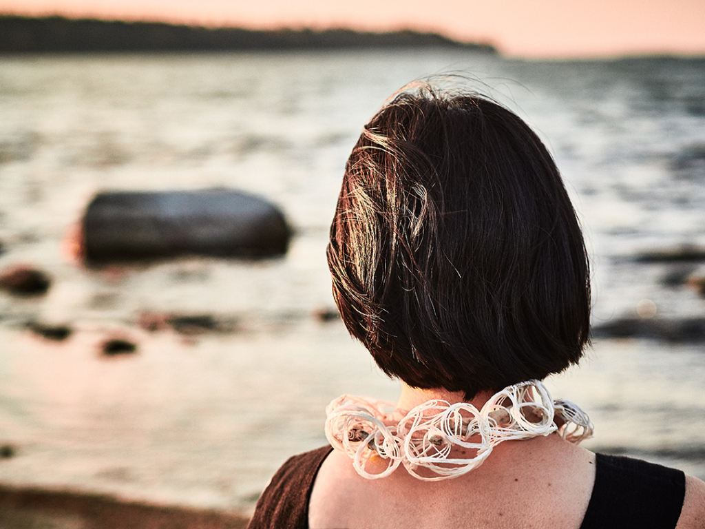 Wiebke Pandikow / The Sea necklace / recycled plastic bags, driftwood