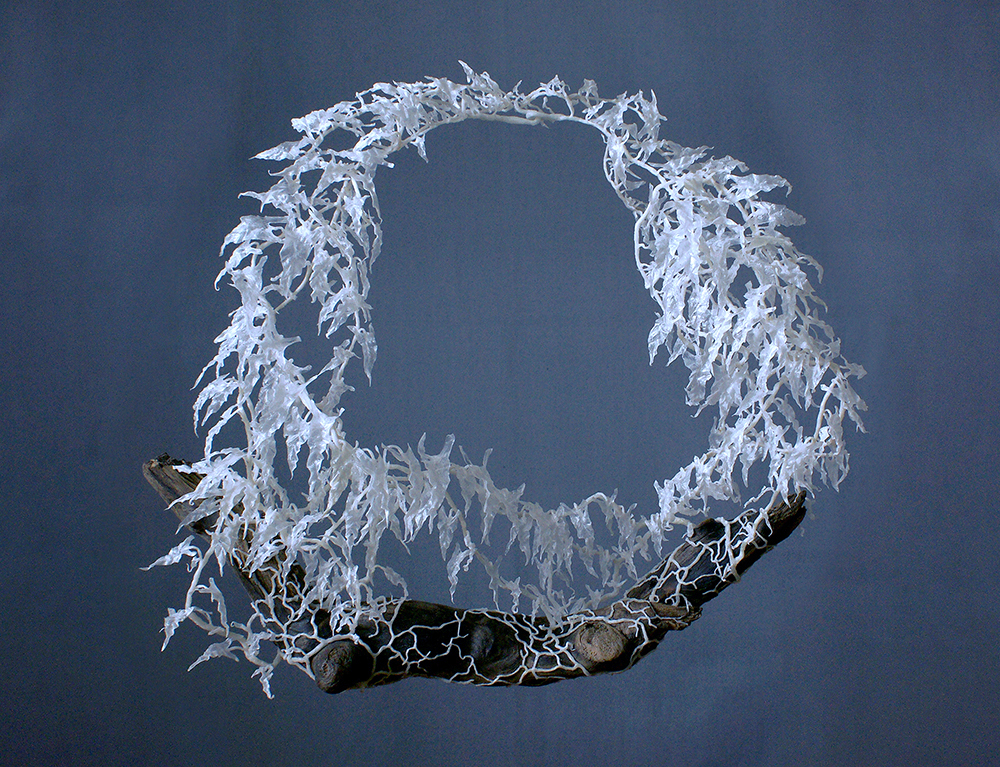 Wiebke Pandikow / Growth / necklace, 2016 / recycled plastic bags, wood
